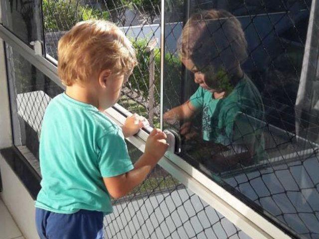 Telas de proteção para crianças